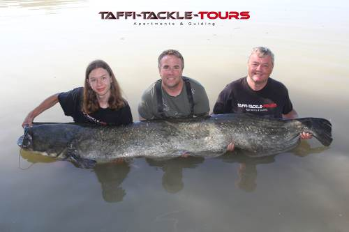 im wallercamp in spanien bei Taffi Tackle Tours
