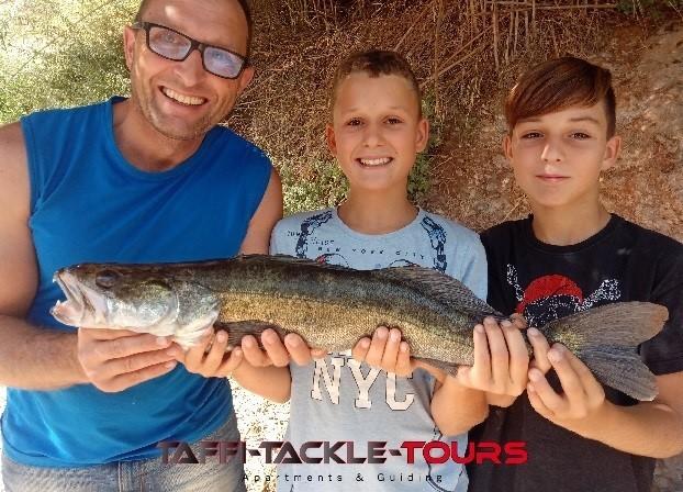 jugendfischen in spanien im familienfreundlichen angelcamp von taffi tackle tours